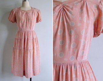 Vintage 30's Peach Rayon 'Bubble Spot' Puff Sleeve Day Dress XS or S