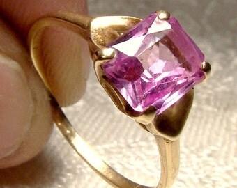 10K Pink Topaz Ring with Hearts 1950s 10 K Size 7-1/4 Genuine Gem