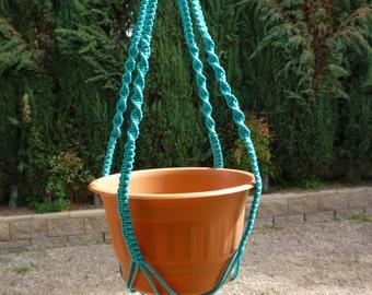 Macrame plant hanger. 70's Symphony style
