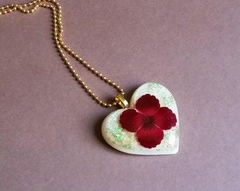 Heart Shaped Flower Resin Pendant Necklace