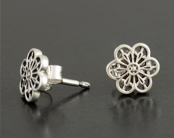 new Authentic Genuine Pandora Sterling Silver Floral Daisy Lace Earrings - 290692 NEW