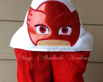 PJ hero. Owl hooded towel