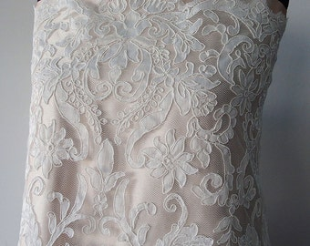 Ivory bridal lace fabric corded lace Alencon, scallop edging, Baroque floral lace for wedding dress