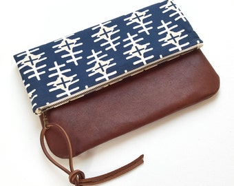 Vintage Leather Fold Over Clutch Bag/Pouch/Purse/Zipper Pouch
