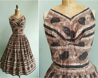 Vintage 1950s Jonathan Logan Brown Paisley Dress | Size Medium