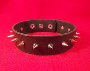 FREE SHIPPING! Handmade black leather collar with spikes