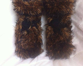 Adult slippers style fur / hand knitted