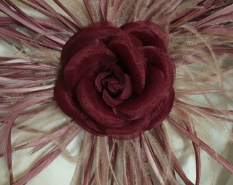 Rose brooch and feather 01
