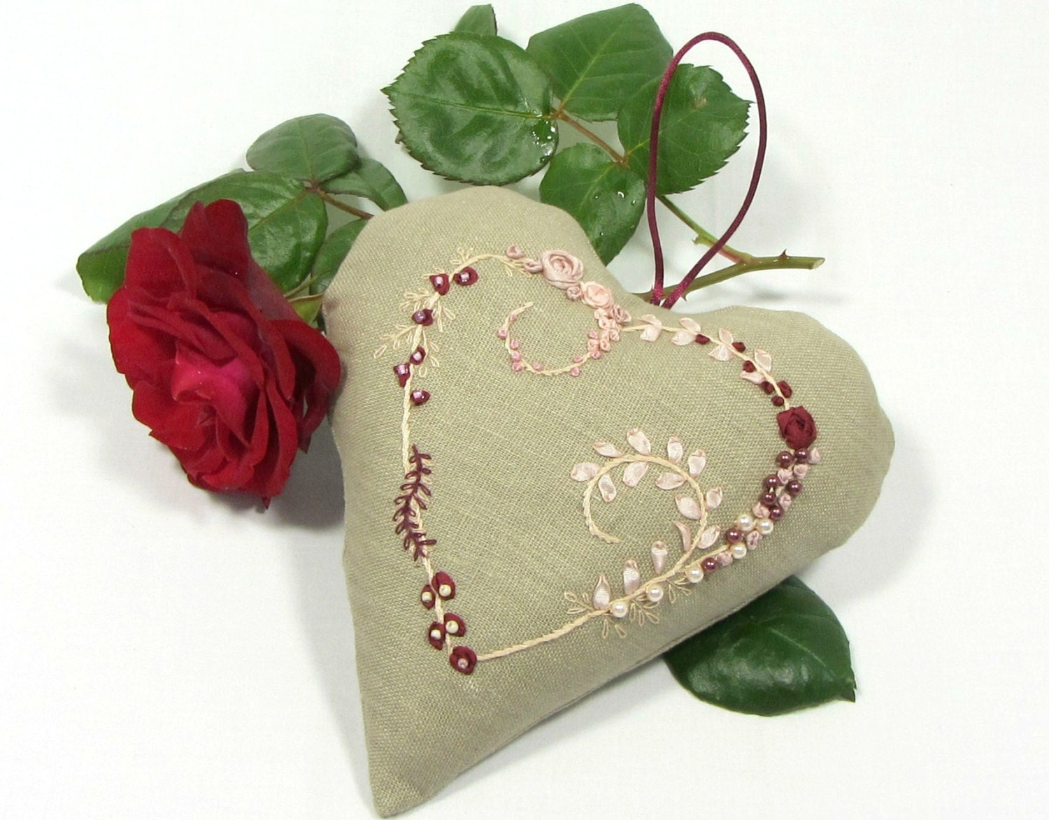 Embroidered heart wall decoration floral linen