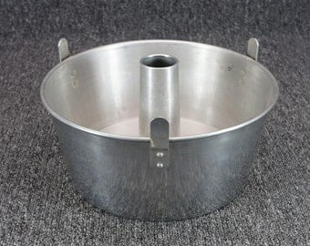 Worthmore Aluminum Angel Food Cake Pan Two-Piece W/ Legs