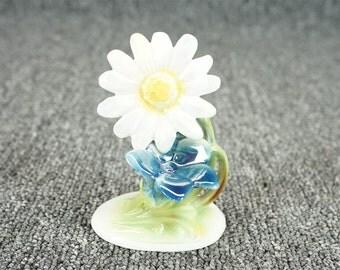 "Ceramic Flowers Sculpture White Daisy & Blue Flower 2 1/2"" X 3 3/4"""