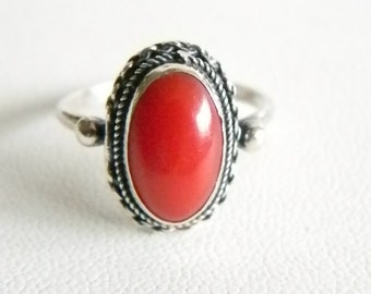 Silver 800 Oval Red Jade Ring - Size 6 1/2