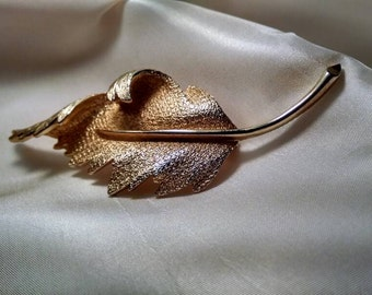 Vintage Stylish Gold Toned Coro Leaf Brooch, Pin