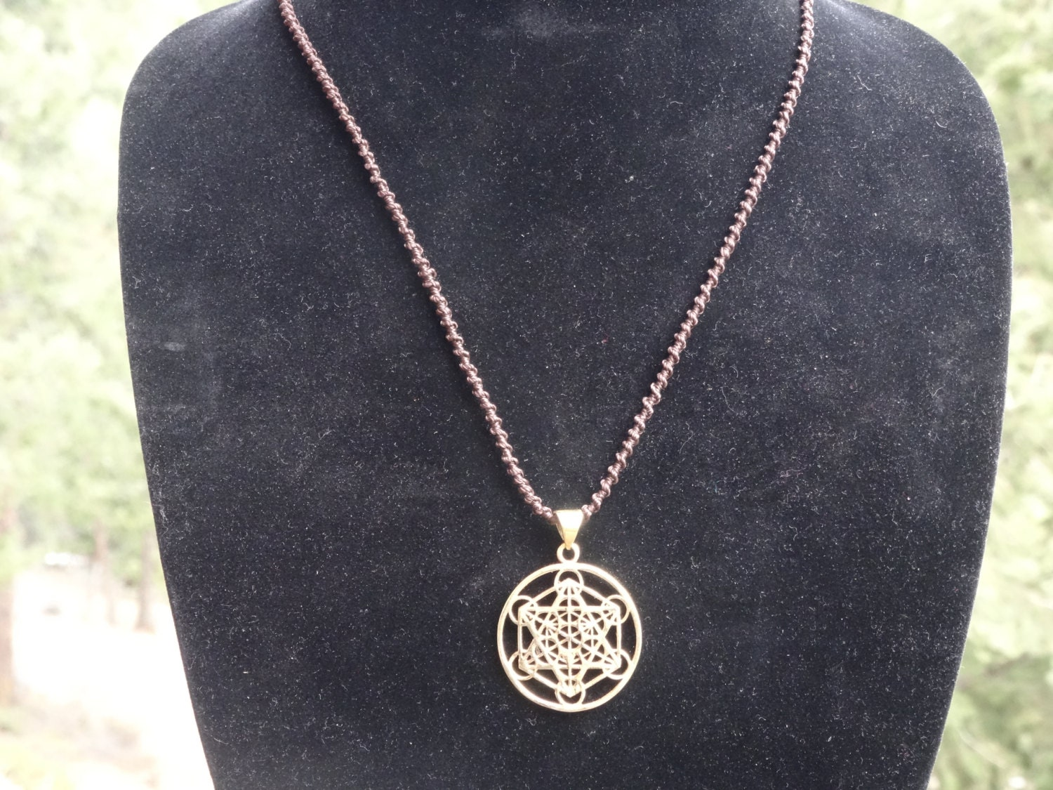 Metatron 39 s cube pendant with macrame by shopgratefullyyours for Metatron s cube jewelry