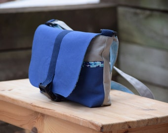 Kid | Toddler Messenger Bag - Blue Flowers