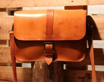 Natural Single Buckle Leather Briefcase - Handmade Leather Messenger Bag - Briefcase Laptop Satchel - fits Macbook Pro 15""