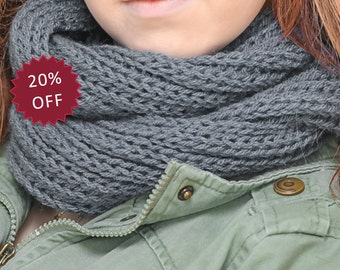 Knitted infinity scarf for woman snood blue on sale