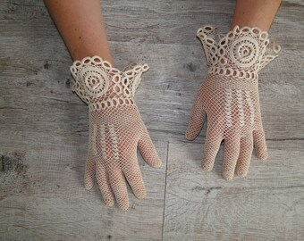 vintage off white lace gloves