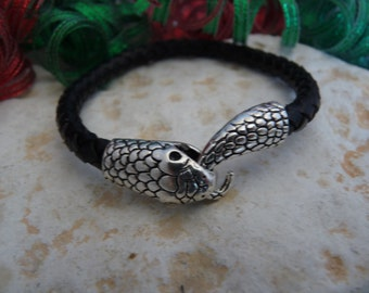 Cobra  head  leather bracelet