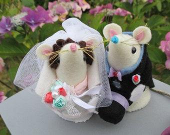 Wedding mice, Bride and groom, wedding topper,  handmade felt mice,