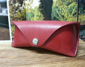 Handmade leather eyeglasses case  ROSE RED vegetable tanned leather with nickel plated magnet  button eye glasses case