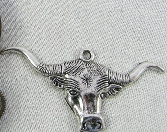 Set of (2) Silver Long Horn Steer Charms  2 per package ANM067