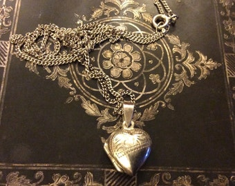 Very nice Silver Heart Pendant and Chain and silver marked/stamped
