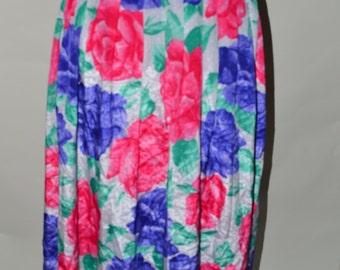Plus size vintage Skirt/ plus size floral skirt/ Plus size vintage floral/ Circle skirt/ Pleated skirt/ Size 16-18