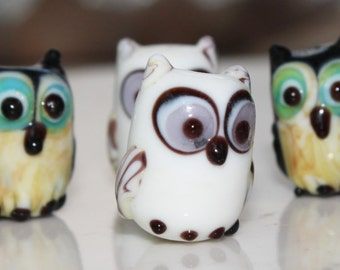 15 X 11mm Glass Owls In Sets Of Two of Grey, black and White Owls