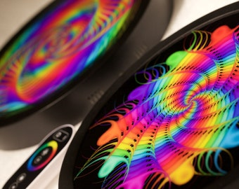 Interactive light! Psychedelic VISUAL SPECTRUM Fractal Lamp In Action!