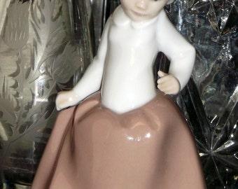 LLADRO Daisa Girl Figurine 1980 Made in Spain Rare Hard to Find