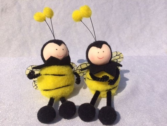 2 fake bees 4 7 inches artificial bees fake bee scrapbooking for Artificial bees for decoration