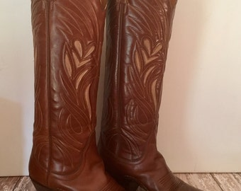 Vintage Ladies Boots, Dan Post Handmade, Walking Cowboy Boots, Vintage Western Wear, Western Decor, Cowgirl Boots Ladies Size 5C Boots