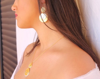 Necklace and Earrings Set ,Mixed Gold & Silver,Handmade Necklace set,Gold Silver plated,Spiral Shape,Round pendent,Hammered pendent,Modern