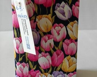 passport holder with tulips