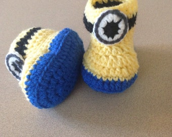 Minion baby booties