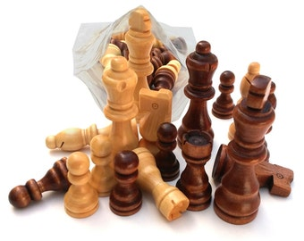 Chess - Set Of 32 wooden parts,pieces king  size  7.5cm