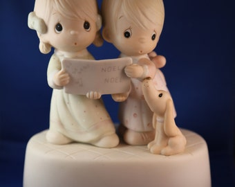 Precious Moments - Wishing You A Merry Christmas  **Musical**