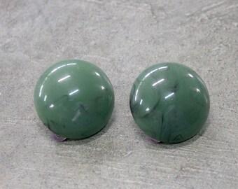 Vintage Earrings, Clip On Earrings, Green Earrings, Costume Earrings, Vintage jewelry, Round Earrings, Lightweight Earrings, Earrings 1980's