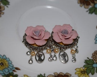 Vintage, Victorian, cat lady plugs, pearls and crystal, dangle plugs, cat plugs.