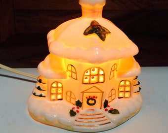 Lefton Lighted Porcelain House, Electric Nightlight, White and Gold Holiday Lighted House