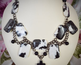 Black and White Agate Necklace | Mystic