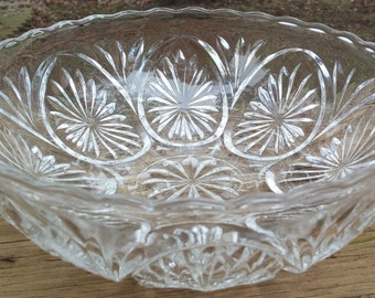 Anchor Hocking Star and Cameo Medallion Pattern 8 inch Bowl-Perfect for Salads/Chips/Fruits