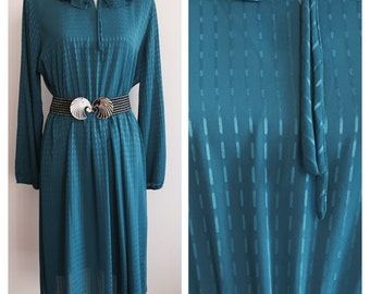 Classic Vintage 1980's Raglan Style Dress. Size:12-14