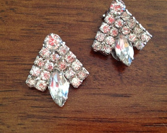 Vintage Clear Rhinestone Clip Earrings 0386