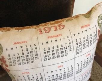 1975 Linen Calendar Pillow