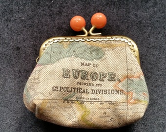L422. Small coin purse with antique map design