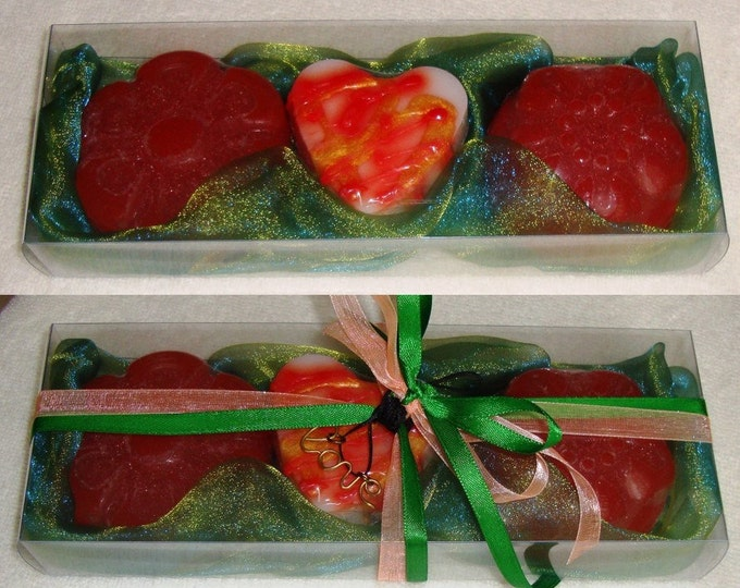 Green-Apricot Gift Set for Women with Luxury Scented Soaps & a Golden Handmade Jewelry Necklace:Ideal for Valentine,Feast,Birthday, Party