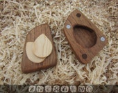 MAPLE wooden guitar pick in a WALNUT guitar picks box Personalized Custom holder Gift box Guitar pick case Hand crafted Unique Artisan