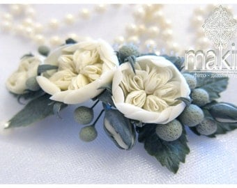 Bridal flower comb. english roses, brunei. wedding flowers comb, ivory flower comb, polymer clay flowers. hair accessory, winter flower comb